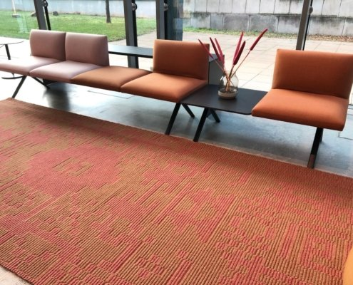 CS RUGS pixelated_traditional_red